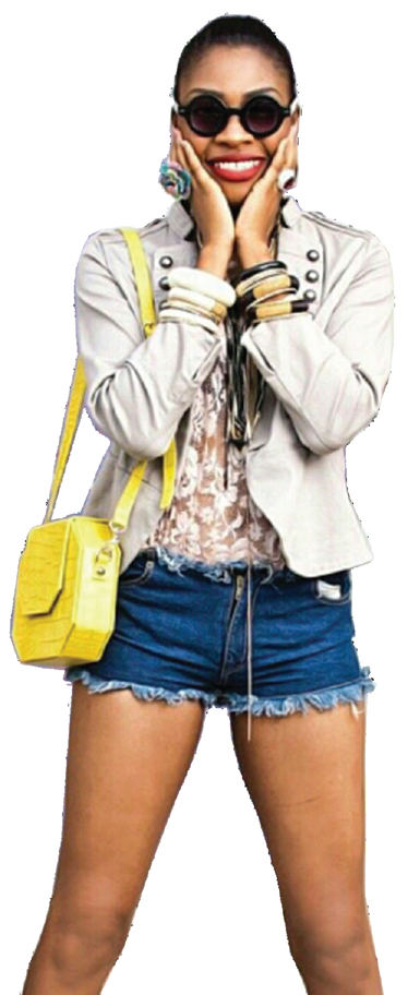 A STYLE ENTHUSIAST IN DOT OCTAGON BAG