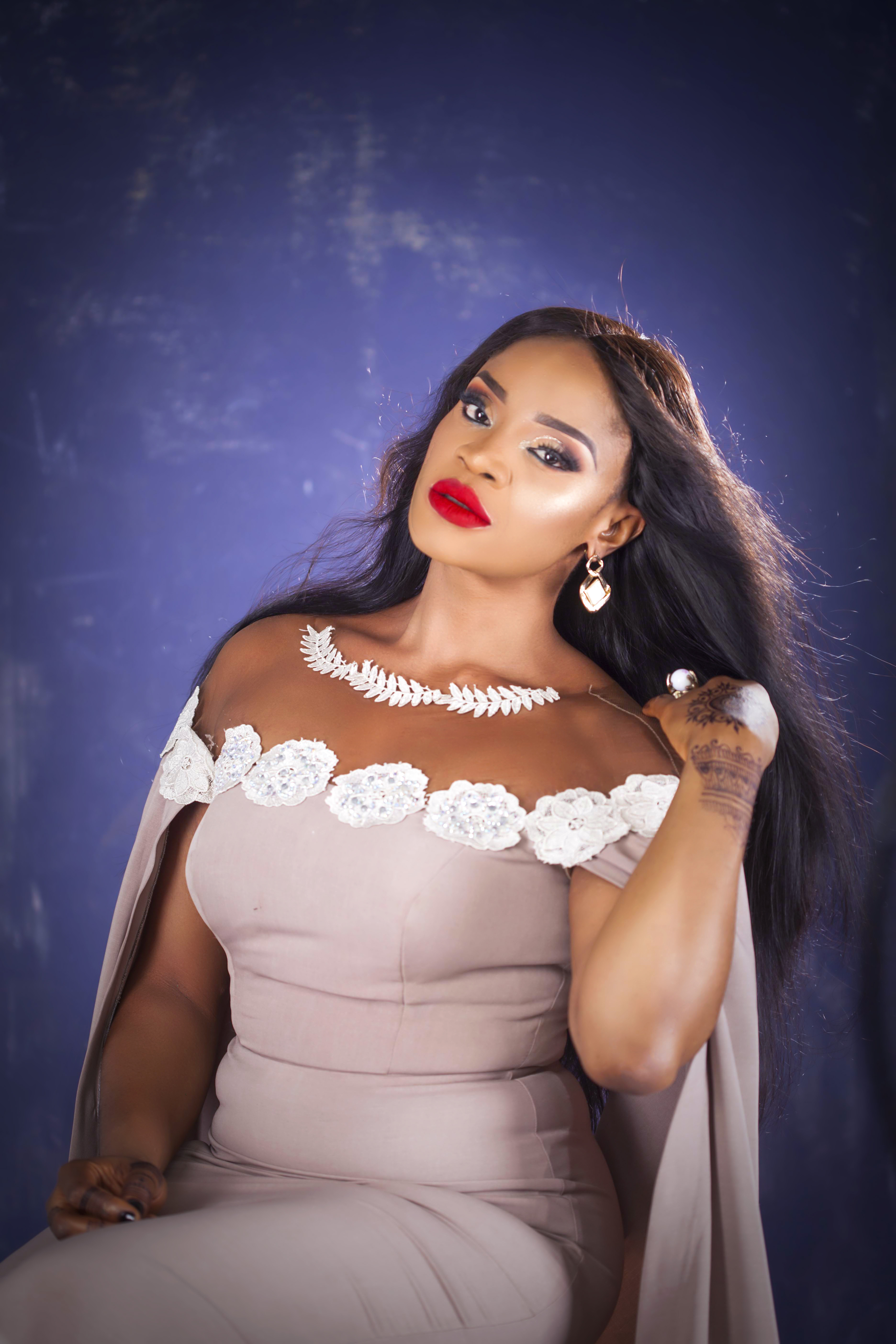 Nollywood actress uche ogbodo talks relationship fame for Küchenteppiche